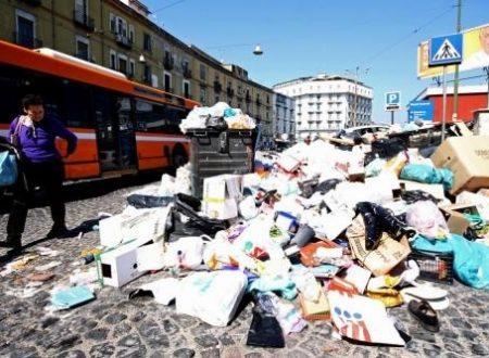 La spazzatura in strada